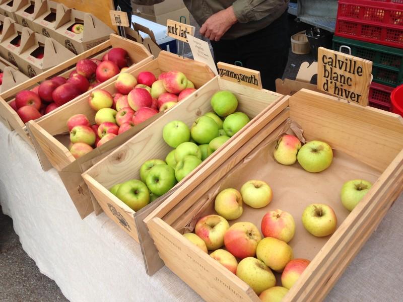 Adelaide Farmers Market Organic Apples